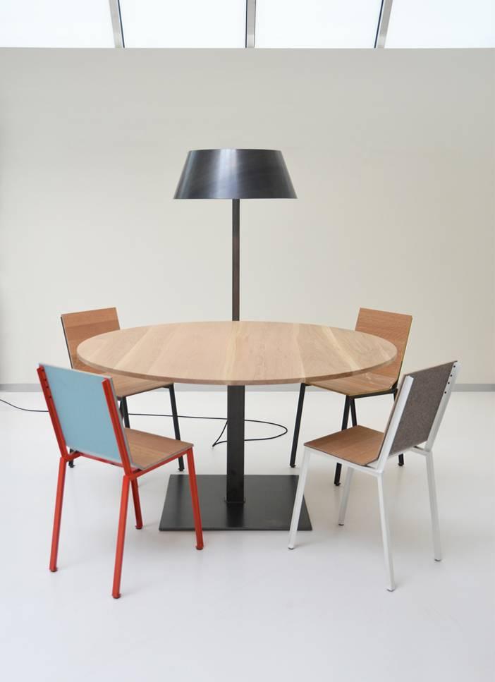 stalen tafel met stoelen Firma 400