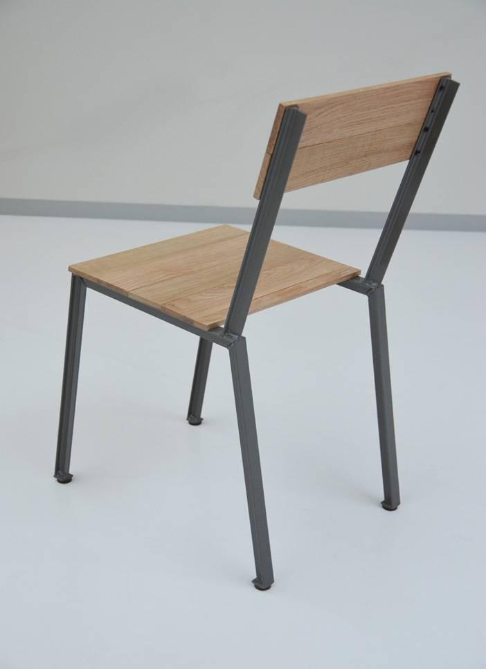 stoel met stalen frame en houten zitting Firma 400