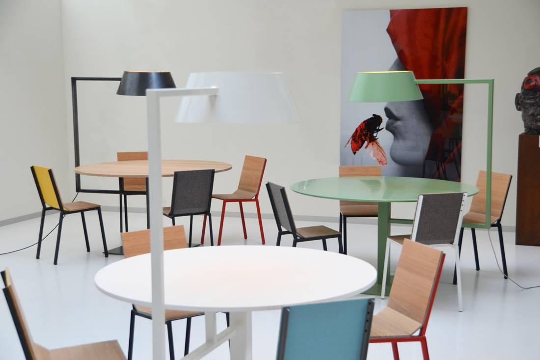 Stalen bureaus met lamp Firma 400